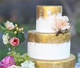Sweet On Cake via Wedding Chicks