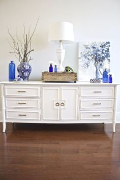 Painted sideboard buffet for the dining room - upcycled furniture Contemporary Dining Furniture, Rustic Dining Furniture, Upcycled Furniture, Outdoor Dining Furniture, Dining Room Buffet, Dining Furniture Makeover, White Painted Furniture, Dining Room Furniture Makeover, Painted Sideboard