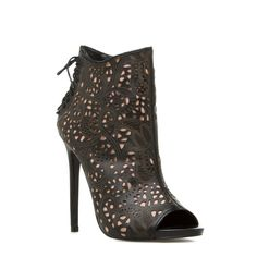 ShoeDazzle! Style. Personalized. Korsett by Steve Madden