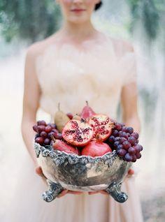 pomegranate wedding cake | pomegranate wedding centerpiece