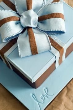 Gift box cake with edible bow