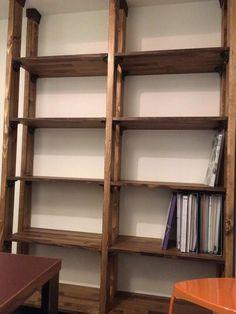 36種類の組み合わせ!塗装済ツーバイ材とディアウォールを使って、お手軽にオリジナルの「柱」を立ててみましょう!|LIMIA (リミア) Japan Interior, Diy Interior, Room Interior, Studio Interior, Living Room Bookcase, Bookshelf Desk, Shelf Inspiration, Diy Regal, Home Fix
