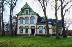 Jugendstil villa, Hoofdstraat in Usquert