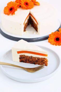 Gulerodsostekage med gulerodsgelé – En Madblog Sweets Recipes, Fruit Recipes, No Bake Desserts, Mini Cakes, Cupcake Cakes, Bread Cake, Bakery Cakes, Yummy Cakes, Amazing Cakes