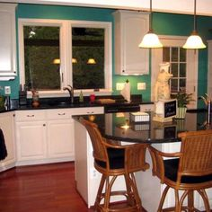 UPDATE-7 simple kitchen updates: Painting the walls can give your kitchen a whole new look