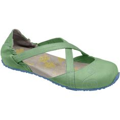 Ahnu Karma Shoe Flat Shoes, Women's Shoes, Me Too Shoes, Shoe Boots, Shoe Bag, What To Wear Today, Travel Shoes, Hiking Shoes, Cute Shoes