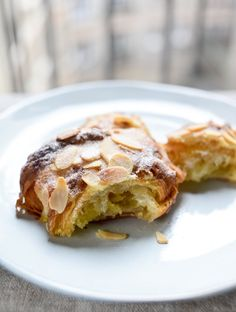 almond_croissant_inside