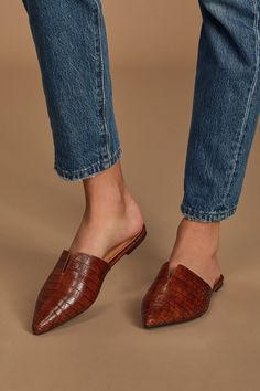The Lulus Jaelyn Brown Crocodile Embossed Pointed-Toe Slides will be your new wardrobe staple! Crocodile-embossed pointed-toe slides with notched detail. Mule Sandals, Mules Shoes, Wedge Shoes, Women's Shoes, Loafer Mules, Heeled Mules, Slingback Flats, Suede Heels, Leather Loafers