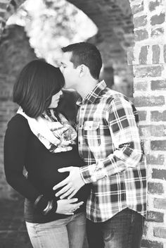 Sweet Moment Maternity Picture