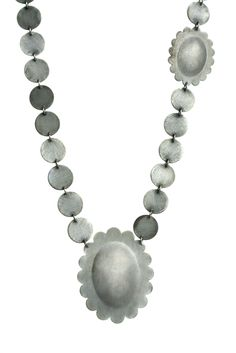 'Crown Jewels' - 'Chain of memories', 2012 by Malou Paul. www.maloupaul.nl
