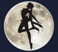«Sailor Moon Silhouette in front of Realistic Moon» de ShoeboxMemories