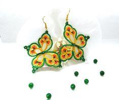 """Pendientes amarillos y verdes """"Rainbow Butterfly"""", pendientes de ropas, joyas de fantasia, pendientes de encaje encaje, pendientes del verano, pendientes colgantes"""