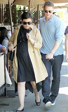 Ginnifer Goodwin was unsurprisingly dressed for comfort but still looked amazing as she wore a floaty black dress and flat black peep-toed shoes