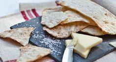 Házi, sós macesz recept Minion, Feta, Camembert Cheese, Bread, Homemade, Baking Ideas, Photography, Cooking, Photograph