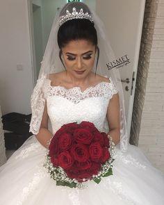 Bridehair @kismet_coiffeurin ✨#weddinginspo #wedding #hair @kismet_coiffeurin #makeup @makeupby_hilal ✨#hairstyle #gelin #gelinlik #gelinsaci #flowers #wedding #weddingdress #dress #dresses #bouquet #weddingbouquet #weddinghair #weddingmakeup #duisburg #hamm #dortmund http://gelinshop.com/ipost/1510383347922575897/?code=BT19acPlyIZ