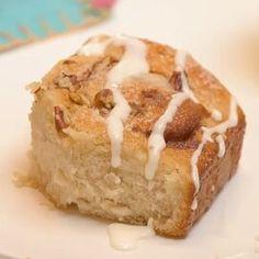 Cake Mix Cinnamon Rolls Cinnamon Bun Recipe, Cinnamon Rolls, Donut Recipes, Dessert Recipes, Desserts, Apple Recipes, Breakfast Recipes, Yellow Squash Recipes, Caramel Rolls