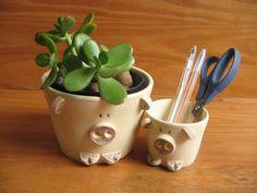 Jogo com dois potes em formato de simpáticos porquinhos em cerâmica