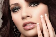 Maquillaje de ojos verdes: Técnicas esenciales - Para Más Información Ingresa en: http://pasosparamaquillarse.com/maquillaje-de-ojos-verdes-tecnicas-esenciales/