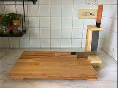 Tagliere in faggio con porta coltelli e spazio per appoggiarlo in abete