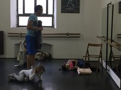 """Coreografo in """"The gas revolution"""" con un corpo di ballo di 32 elementi al Teatro La Fenice di Venezia, con la regia di Gino Landi. Coreografo per la fiction """"Rossella"""" con la regia di Gianni Lepri,."""