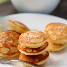 Simply make poffertjes Poffertjes ganz einfach selber machen! Make poffertjes yourself eatsmarter. Gluten Free Recipes For Breakfast, Gluten Free Breakfasts, Gluten Free Cooking, Gf Recipes, Dairy Free Recipes, Cooking Recipes, Mexican Recipes, Dinner Recipes, Johnny Cake