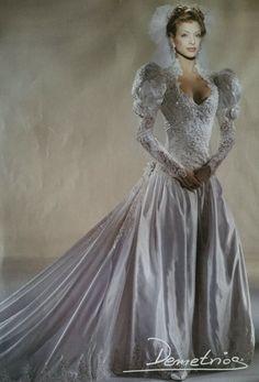 Wedding Dress For Boys, Wedding Dress With Veil, Gorgeous Wedding Dress, Dream Wedding Dresses, Bridal Dresses, Beautiful Dresses, Wedding Gowns, Vintage Gowns, Vintage Bridal