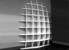 Bibliothèque murale design à fixations invisibles HAUTE                                                                                                                                                                                 Plus