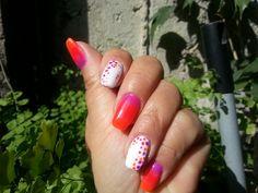 viviana nails neon...