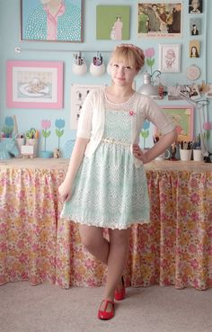 This reminds me so, so, soooo much of Martina from Eatyourkimchi.. I bet this lady bought her outfit from her^^