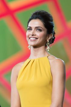 Deepika Padukone Photos - Deepika Padukone attends the opening ceremony of the Marrakesh International Film Festival on November 2013 in Marrakech, Morocco. Indian Celebrities, Bollywood Celebrities, Bollywood Actress, Bollywood Style, Hindi Actress, Deepika Ranveer, Deepika Padukone Style, Deepika Pic, Ranveer Singh