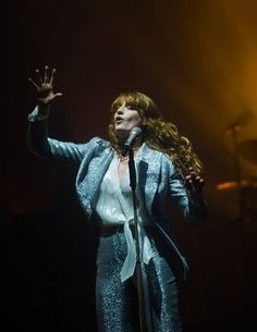 Florence at Glastonbury Kari Jobe, Sara Bareilles, Pentatonix, Florence Welch Style, Glastonbury 2015, Florence The Machines, Film Books, How Beautiful, Beautiful Witch