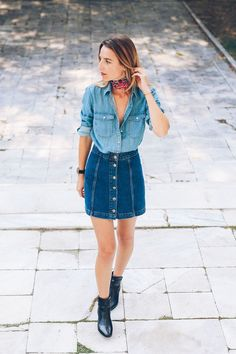 by Helena Martins Here are 3 stylish looks that will inspire you to wear denim this weekend. 1.  See original outfit post here / Follow Victoria Tornegren on Bloglovin'  2.  See original outfit post h