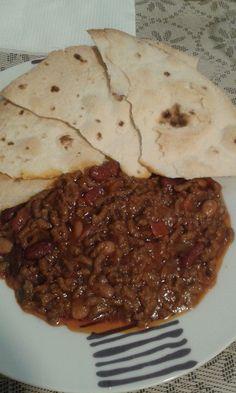 Chili con carne e fagioli arricchito con cuore di brodo Knorr al Manzo