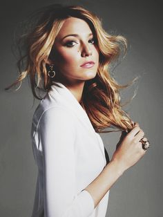 gorgeous blake. i wish i looked like her.