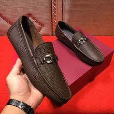 Image shared by Find images and videos about ferragamo driver mocassin on We Heart It - the app to get lost in what you love. Mens Casual Leather Shoes, Mens Loafers Shoes, Loafer Shoes, Casual Shoes, Shoes Men, Mocassins Luxe, How To Tie Shoes, Gents Shoes, Gentleman Shoes