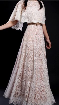 You may choose your wedding dresses online. Lace wedding dresses are getting to be the most pursued fabrication by new brides. If you're searching for lace sleeve wedding dresses you've arrive at the appropriate place. Vintage Lace, Vintage Dresses, Vintage Outfits, Vintage Fashion, Lace Dresses, Dress Lace, 50s Vintage, Lace Skirt, Beautiful Gowns