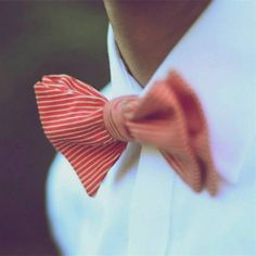 Learn how to make a bow tie. Selvedge Magazine is an independent textile publication. Visit www.selvedge.org to subscribe to the magazine, enter a competition, read our daily blog, make a craft project or find textile workshops & events.