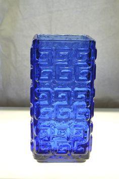 Riihimäen Lasi, Tamara Aladin Finland Retro Art, Retro Vintage, Cobalt Glass, Contemporary Abstract Art, Vintage Vases, Aladdin, Scandinavian Design, Metal Jewelry, Shades Of Blue