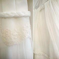 Buenos días! Me encanta descubrirte poco a poco los detalles de cada vestido 😍  Y éstos, son del vestido de Sonia y Bego 😍 pronto…