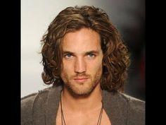 Como crecer el pelo natural para hombres fuente de la imformacion del video: http://belleza.uncomo.com/articulo/como-hacer-crecer-el-pelo-de-hombre-40138.htm...