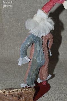 Белый клоун. Ватная игрушка.высота 20 см