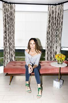 E! TV Host Catt Sadler Shares Her Nighttime Beauty Routine: E! Host Catt Sadler told us all about removing heavy makeup and how she gets TV-ready skin.  | Coveteur.com