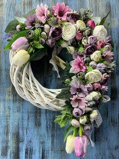 Handmade Christmas Decorations, Grapevine Wreath, Grape Vines, Floral Wreath, Wreaths, Spring, Home Decor, Floral Crown, Decoration Home