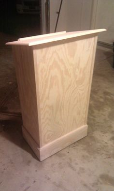 DIY lectern....maybe I can get my hubby to build this for me! The one in my classroom is too tall.