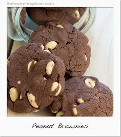 This week it is another Kiwi Classic for you from the Edmonds Cookbook. Peanut Brownies are not an american brownie, but a chocolate biscuit with peanuts in it. Before making these for this post I… Peanut Brownies, Peanut Cookies, Chocolate Biscuits, Chocolate Treats, Cookbook Recipes, Cooking Recipes, Brownie Recipes, Afternoon Tea, Kiwi