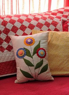 Blooming Pillow  Beautiful and cheery!