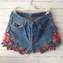 Teen Fashion Outfits, Diy Fashion, Diy Clothing, Custom Clothes, Denim Crafts, Embellished Jeans, Denim And Lace, Embroidered Clothes, Clothes Crafts