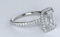 Emerald cut diamond engagement ring certified GIA certified JEWELFORME BLUE platinum 18kt