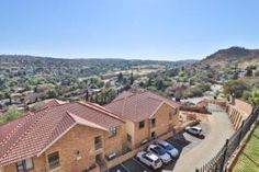 3 Bedroom Townhouse for sale in Winchester Hills - Johannesburg Call Me Now, Built In Cupboards, Automatic Gate, Family Tv, Bedroom Flooring, Reception Rooms, Open Plan, Winchester, Townhouse