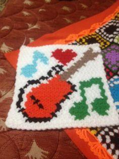 HUZUR SOKAĞI (Yaşamaya Değer Hobiler) Crochet Squares, Free Crochet, Christmas Sweaters, Elsa, Crochet Patterns, Butterfly, Diy Crafts, Blanket, Holiday Decor